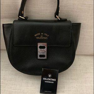 💯 Auth Mario Valentino Top Handle Bag in black